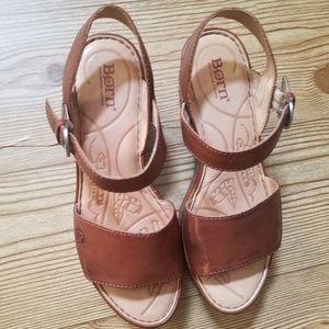 BORN Handcrafted Footwear Sz 7/38